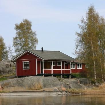 Punainen tupa saaristossa, Virtasen Wanha Punainen ja Valkoiset pielilaudat.