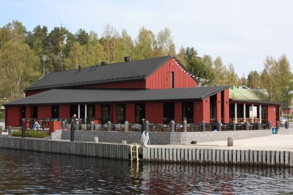 Kahvila-Ravintola Satamakapteeni, Korpilahden satama. Wanha Punainen 4 Öljyn öljymaali.