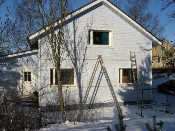 Talon talvimaalaus Raisiossa tammikuussa 2009.