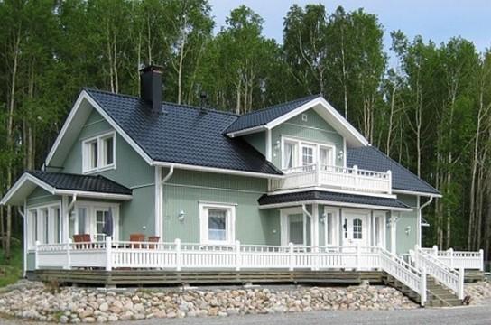 Talo metsän laidalla, sävytetty Virtasen 4 Öljyn Maali