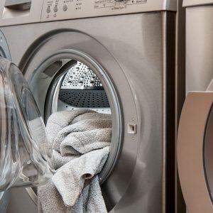 Hyvä Pyykki, hajuton ja zeoliititon pyykinpesuaine. Hellävarainen, tehokas ja turvallinen pyykinpesuaine Sinulle, pyykillesi ja pesukoneellesi.
